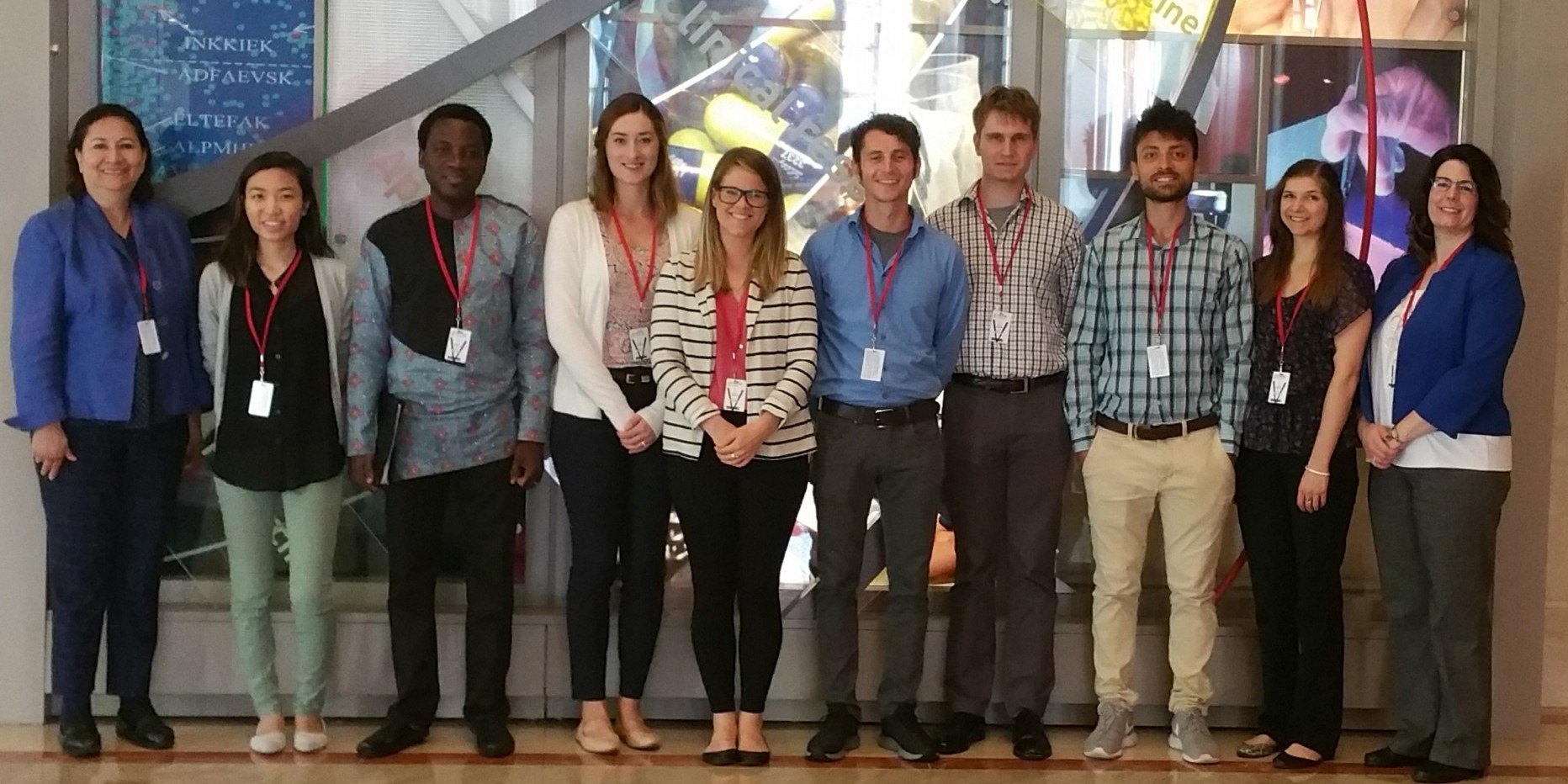 Elvira de Mejia and Jeccia Hartke in a photo with a group of students from DNS course